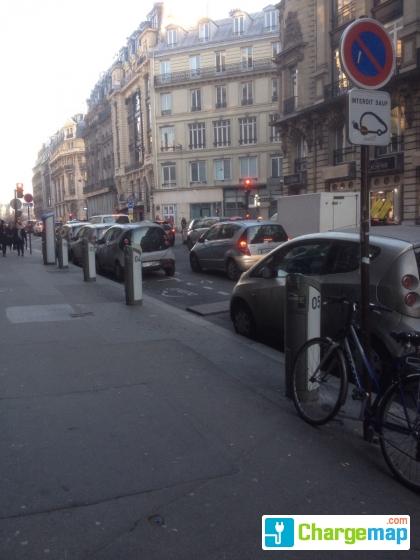 autolib 39 116 rue r aumur paris borne de charge paris. Black Bedroom Furniture Sets. Home Design Ideas