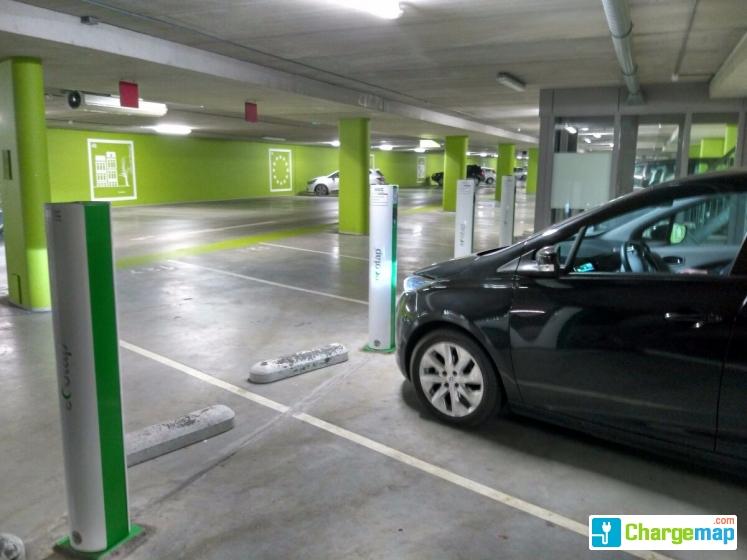 Keizer Karel Garage : Keizer karel garage van schaeck mathonsingel charging station