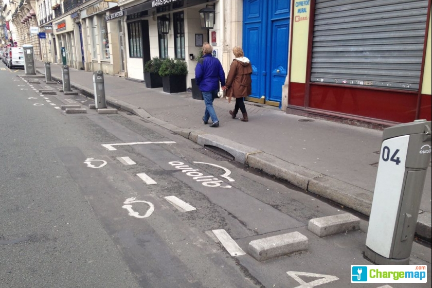 Autolib 39 36 boulevard richard lenoir paris charging for Garage oberkampf parking