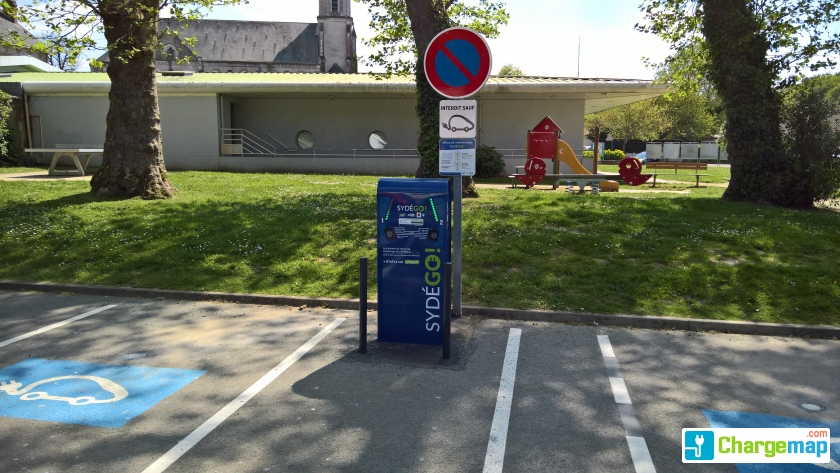 Station hte goulaine les platanes oplaadstation in for Garage renault haute goulaine