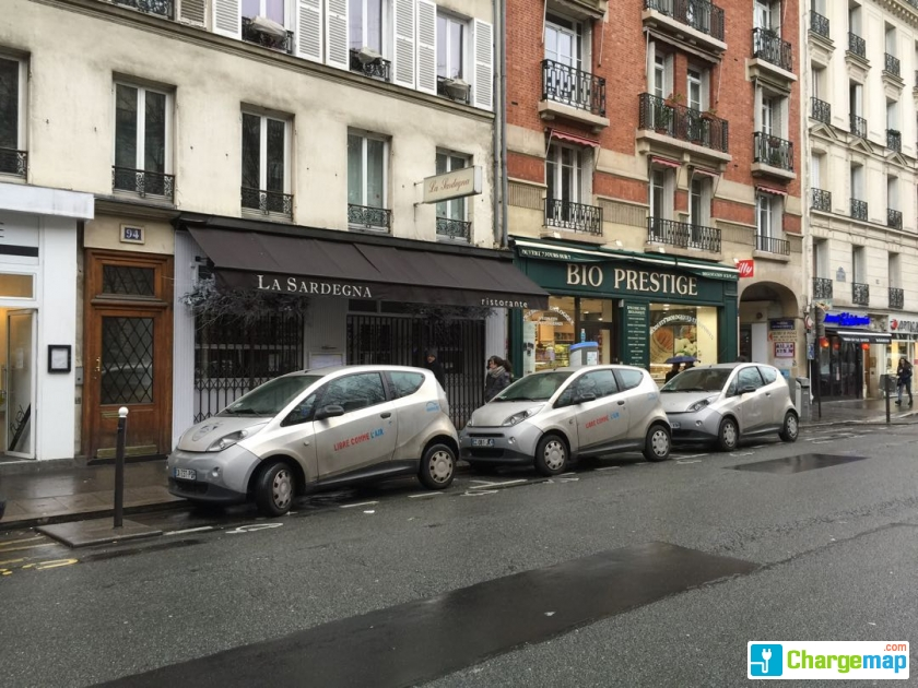 autolib 39 92 boulevard des batignolles paris borne de charge paris. Black Bedroom Furniture Sets. Home Design Ideas