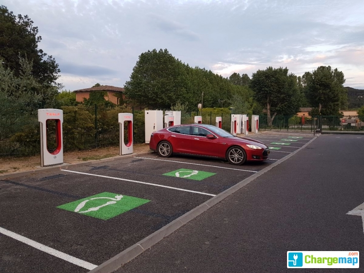 tesla supercharger ibis aix quick charging station in aix en provence. Black Bedroom Furniture Sets. Home Design Ideas