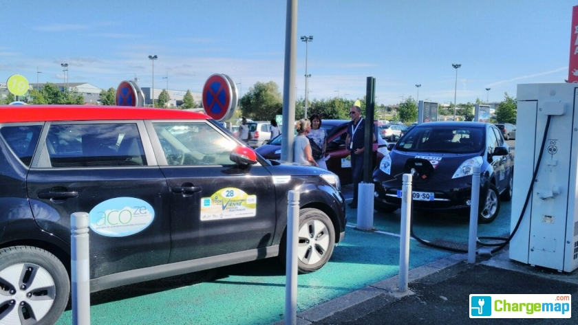 Auchan porte sud poitiers quick charging station in for Garage citroen poitiers sud