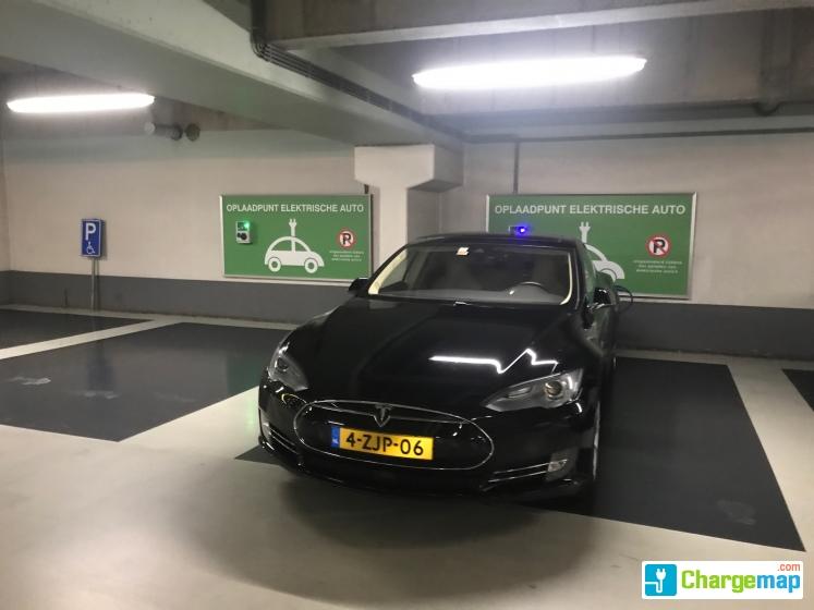 Zuidpoortgarage Oplaadstation In Delft