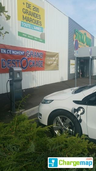 Stockomani parking brico d pot ladestation in beauvais - Horaire brico depot beauvais ...