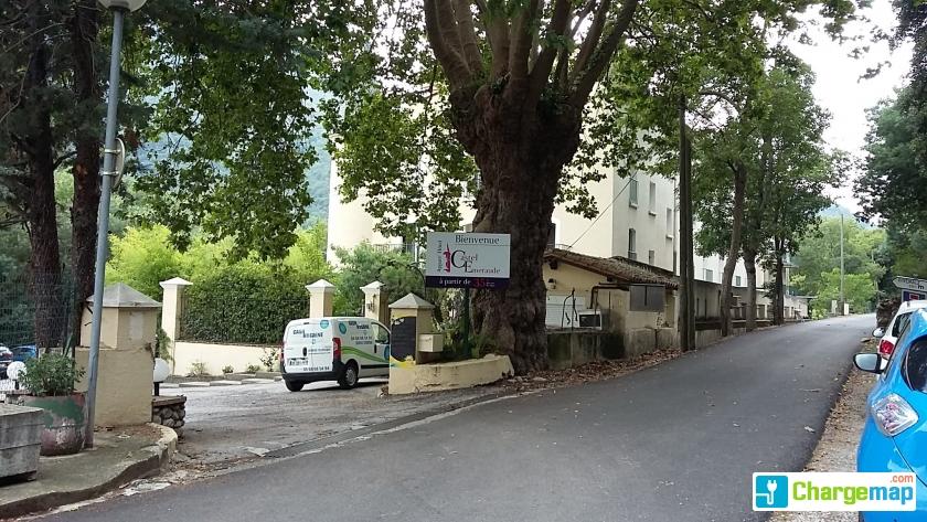 Appart 39 hotel castel emeraude borne de charge arles sur for Arles appart hotel