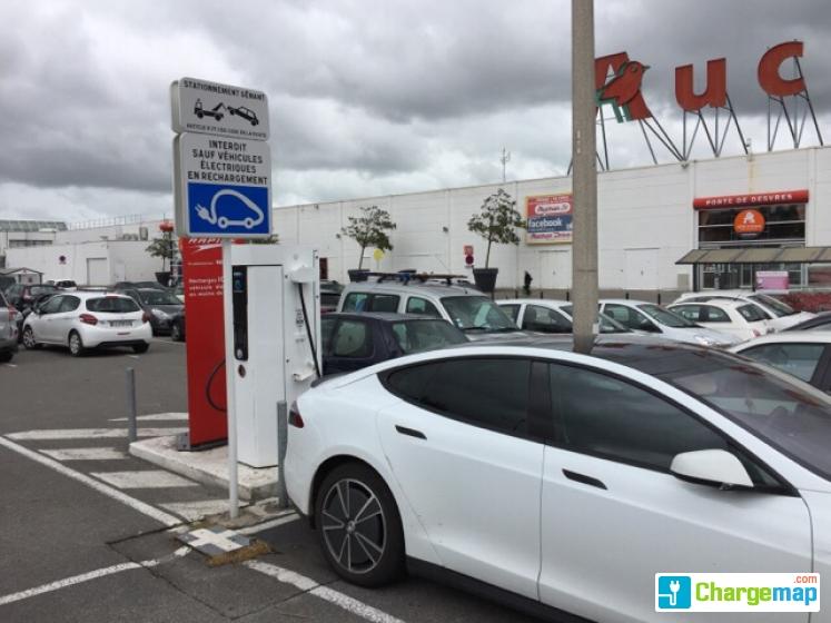 Auchan Boulogne Borne De Charge à Boulogne Sur Mer