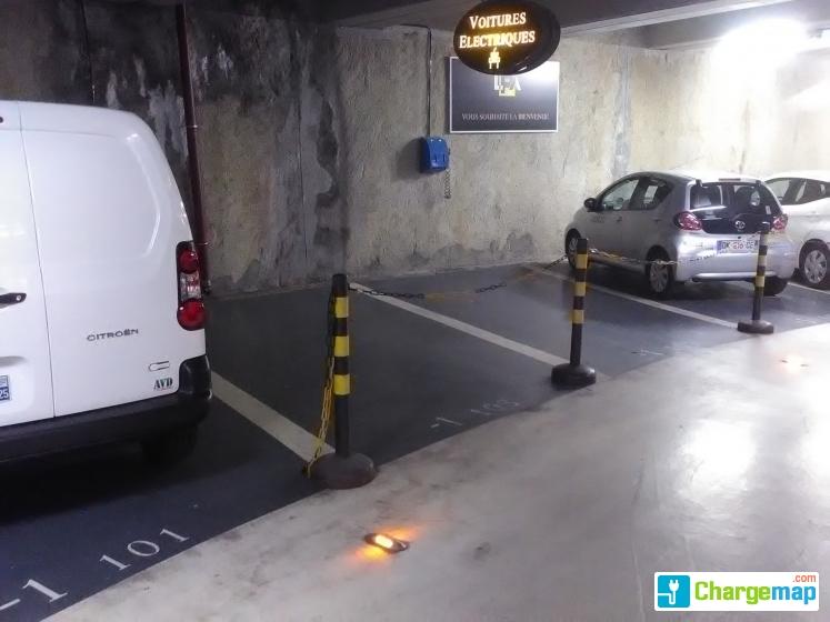 Parking h tel de ville villeurbanne borne de charge villeurbanne - Seche servet originele ...