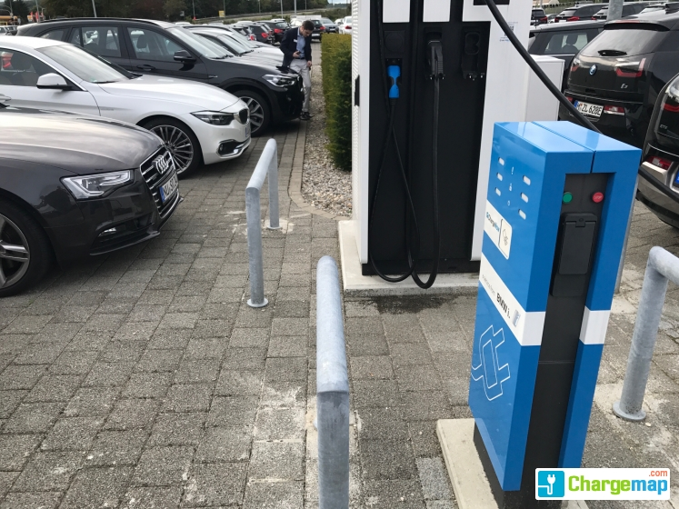 bmw reisacher quick charging station in ulm. Black Bedroom Furniture Sets. Home Design Ideas