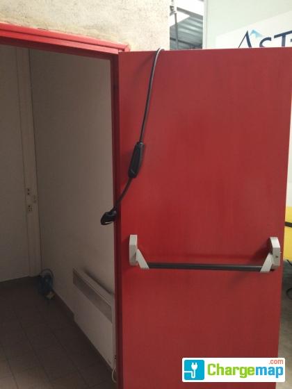 ast74 m decine du travail borne de charge annecy. Black Bedroom Furniture Sets. Home Design Ideas