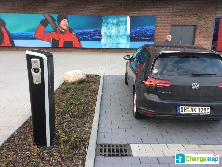 engelbert strauss charging station in oberhausen. Black Bedroom Furniture Sets. Home Design Ideas