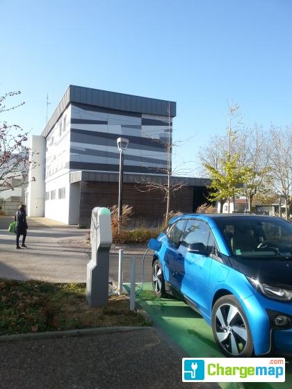 Sydev gare routi re saint jean de monts charging for Garage automobile saint jean de monts