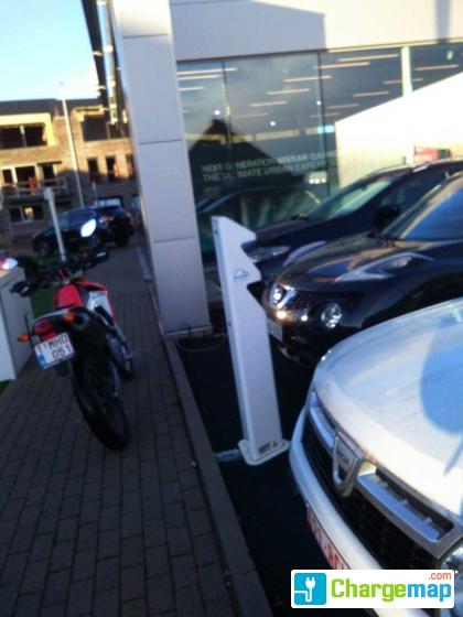 Nissan dealer garage demeyere knokke borne de charge for Garage demeyere anglet