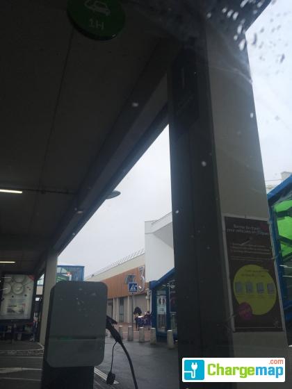 Carte Pass Carrefour Ormesson.Carrefour Ormesson Centre Commercial Pince Vent Borne