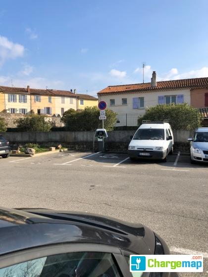 Symielecvar saint maximin la sainte baume parking des for Garage auto saint maximin la sainte baume