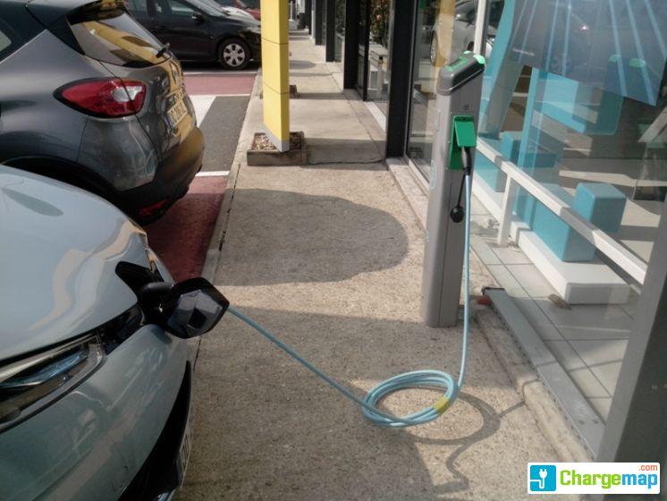 Renault les ulis ladestation in les ulis for Garage audi les ulis