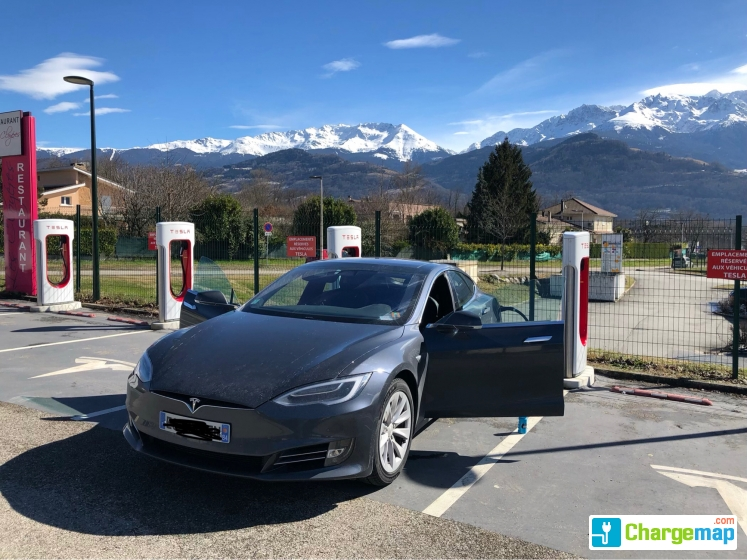 tesla supercharger grenoble in bernin borne de charge rapide bernin. Black Bedroom Furniture Sets. Home Design Ideas