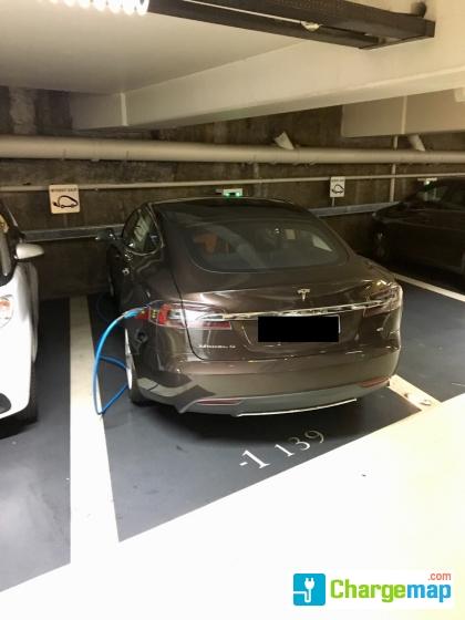 parking gare part dieu borne de charge lyon. Black Bedroom Furniture Sets. Home Design Ideas