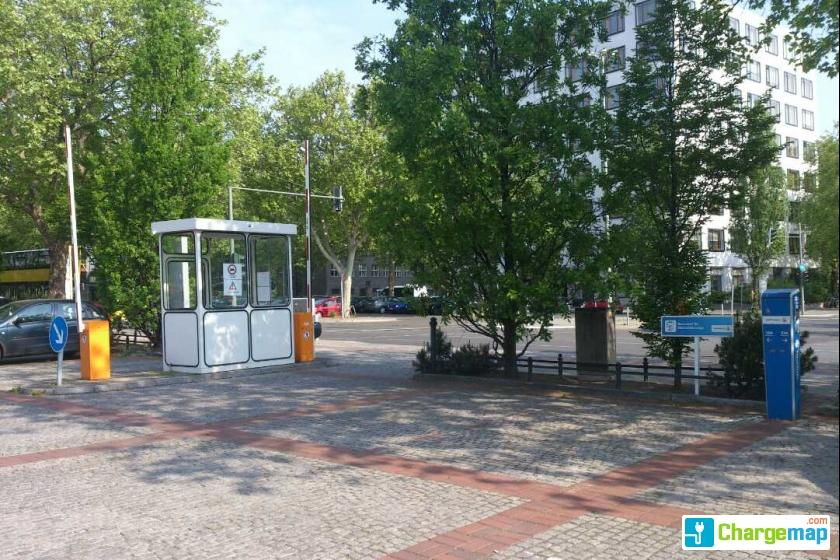 hammarskj ldplatz berlin borne de charge berlin. Black Bedroom Furniture Sets. Home Design Ideas