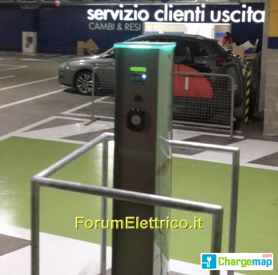 Ikea Porta Di Roma Borne De Charge à Roma