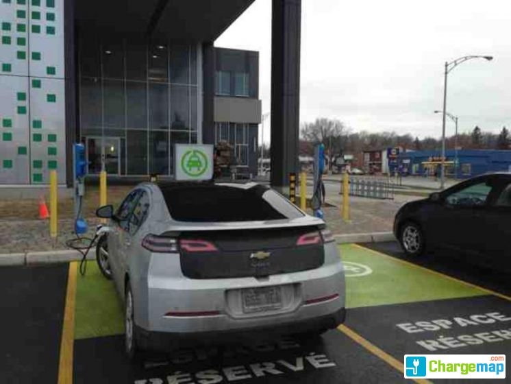 Caisse desjardins th r se de blainville charging station for Caisse de jardin