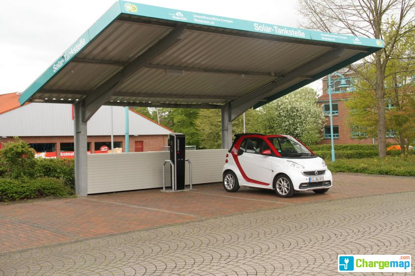solar carport am rathaus gemeinde wadersloh ladestation. Black Bedroom Furniture Sets. Home Design Ideas