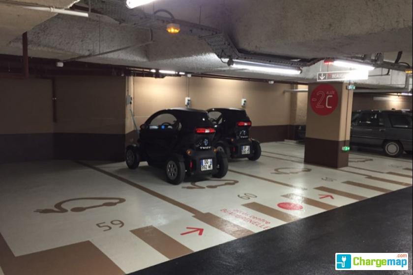 parking p1 centre commercial beaugrenelle charging. Black Bedroom Furniture Sets. Home Design Ideas