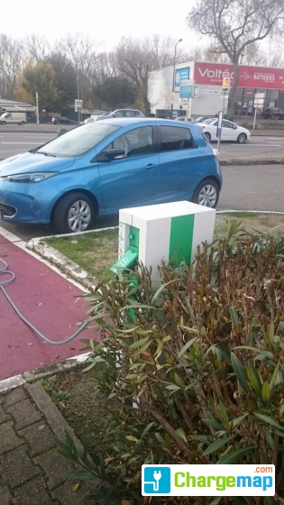 Renault saint orens de gameville borne de charge for Garage renault saint orens