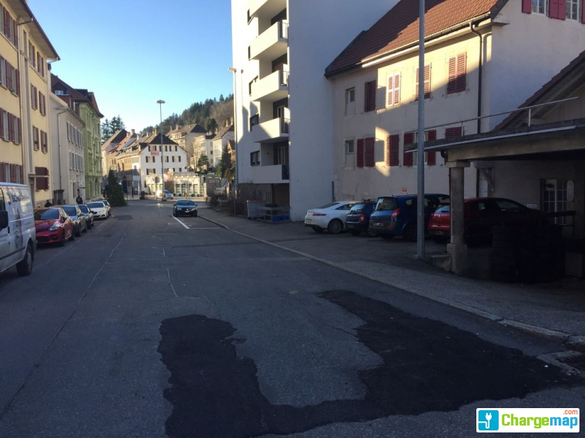 Garage cuenot s rl ladestation in le locle for Garage redhaber sarl cernay