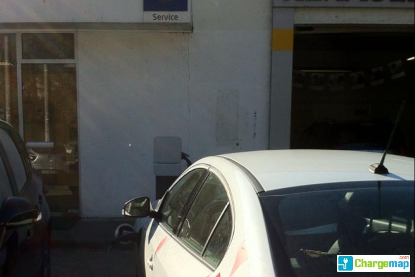 Renault castillon charging station in castels for Garage renault alma rennes horaires