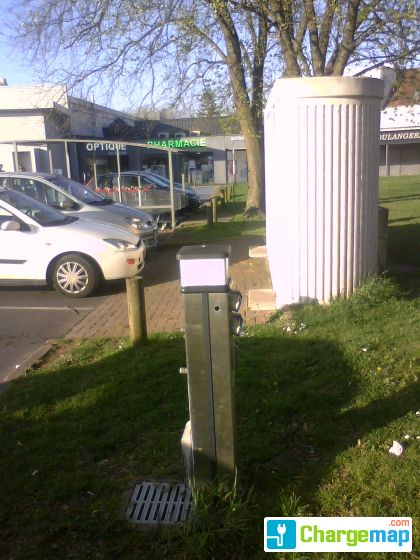 Parking carrefour cr py en valois oplaadstation in for Garage crepy en valois