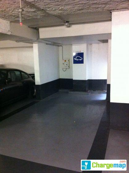 parking vinci monoprix borne de charge issy les moulineaux. Black Bedroom Furniture Sets. Home Design Ideas