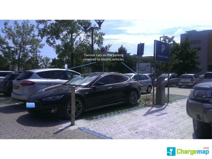 Ikea Genova Charging Station In Genova