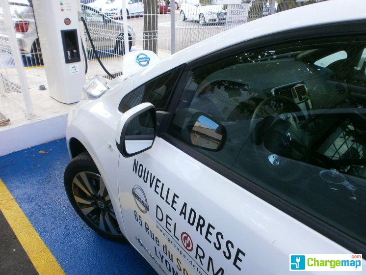 Nissan Lyon Rue Du Souvenir Quick Charging Station In Lyon