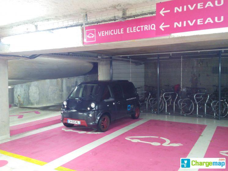 parking feydeau nantes borne de charge nantes. Black Bedroom Furniture Sets. Home Design Ideas
