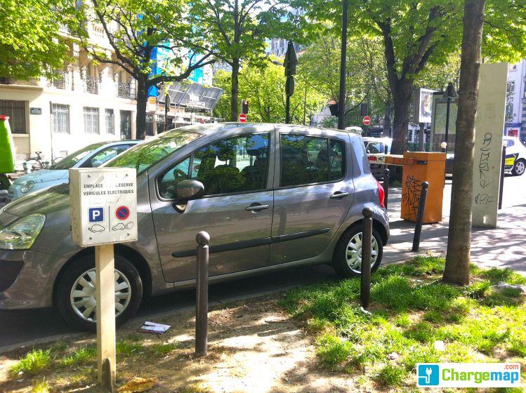 parc de surface r sidentiel bd pasteur charging station in paris. Black Bedroom Furniture Sets. Home Design Ideas