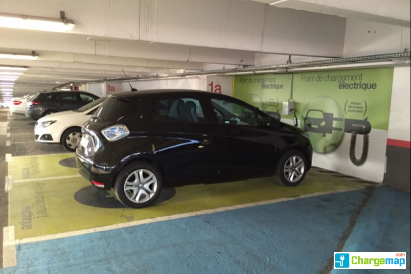 Parking r porte de versailles charging station in paris for Porte de champerret salon parking