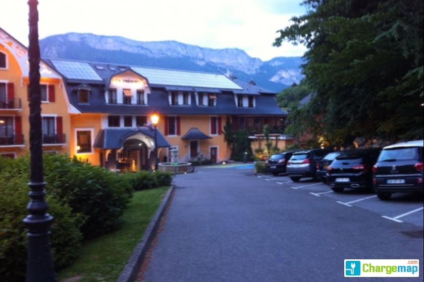 H U00f4tel Les Tresoms Lake And Spa   Borne De Charge  U00e0 Annecy