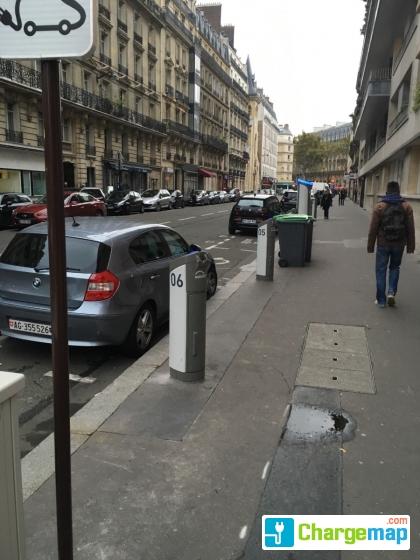 autolib 19 rue br montier paris borne de charge paris. Black Bedroom Furniture Sets. Home Design Ideas