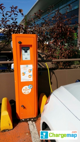 E leclerc vitry sur seine charging station in vitry sur seine Leclerc drive vitry sur seine