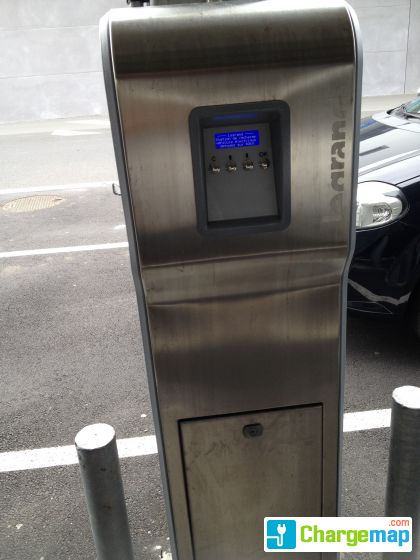 parking castorama brest charging station in brest. Black Bedroom Furniture Sets. Home Design Ideas