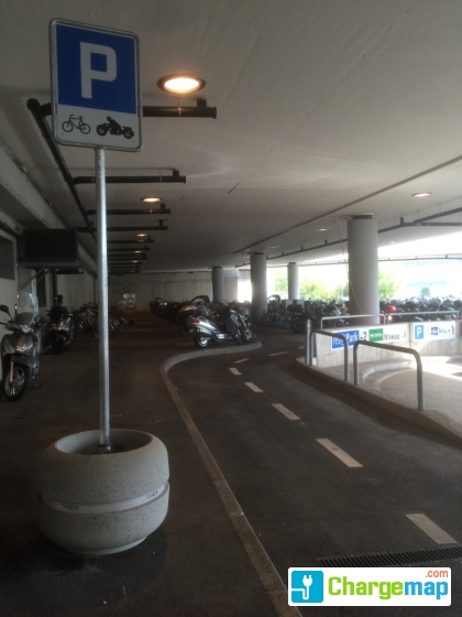 parking deux roues gva charging station in le grand saconnex. Black Bedroom Furniture Sets. Home Design Ideas
