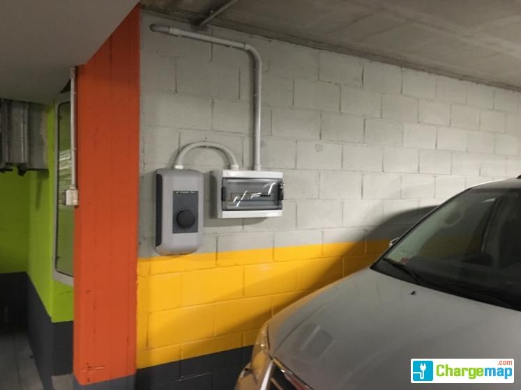 Parcheggio Zenale Charging Station In Milano