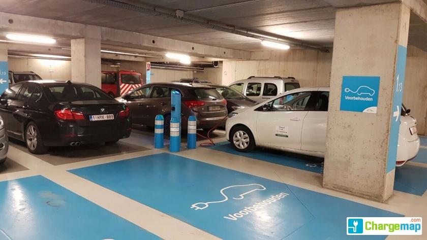 Parking Nmbs Oplaadstation In Brugge