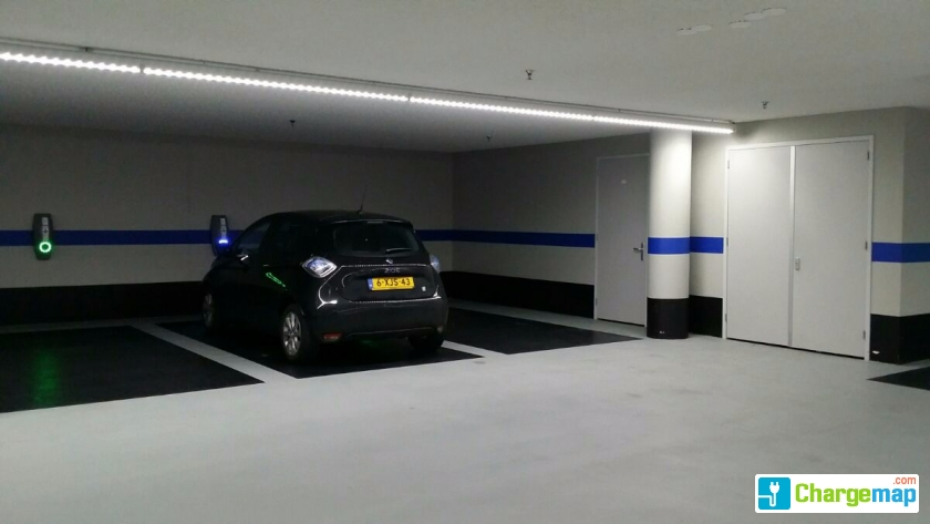 Pakeergarage tricotage borne de charge veenendaal for Garage mobile rennes