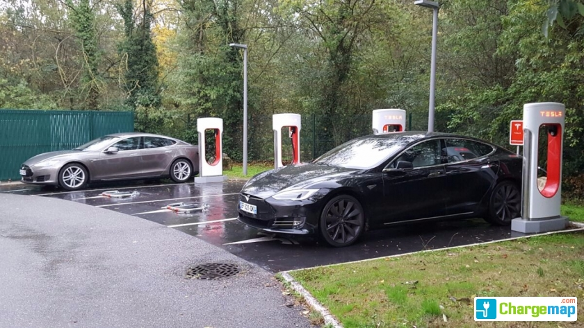 tesla supercharger novotel aix en provence pont de l 39 arc fenouill res borne de charge rapide. Black Bedroom Furniture Sets. Home Design Ideas
