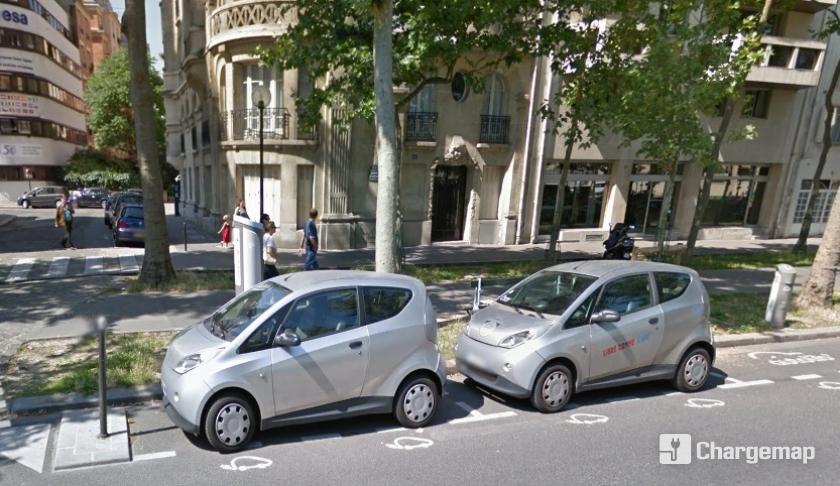 autolib 39 112 avenue de suffren paris borne de charge paris. Black Bedroom Furniture Sets. Home Design Ideas