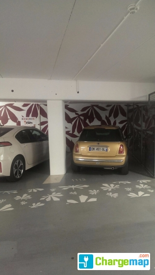 parking cath drale nantes borne de charge nantes. Black Bedroom Furniture Sets. Home Design Ideas