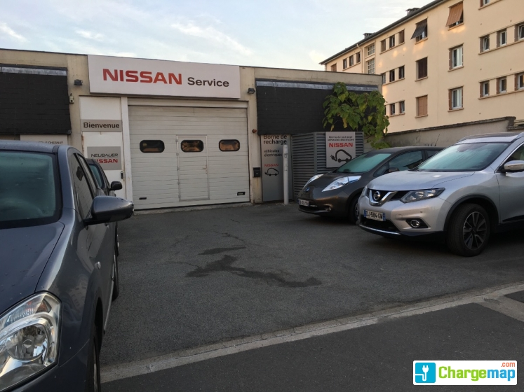 nissan le chesnay charging station in le chesnay. Black Bedroom Furniture Sets. Home Design Ideas