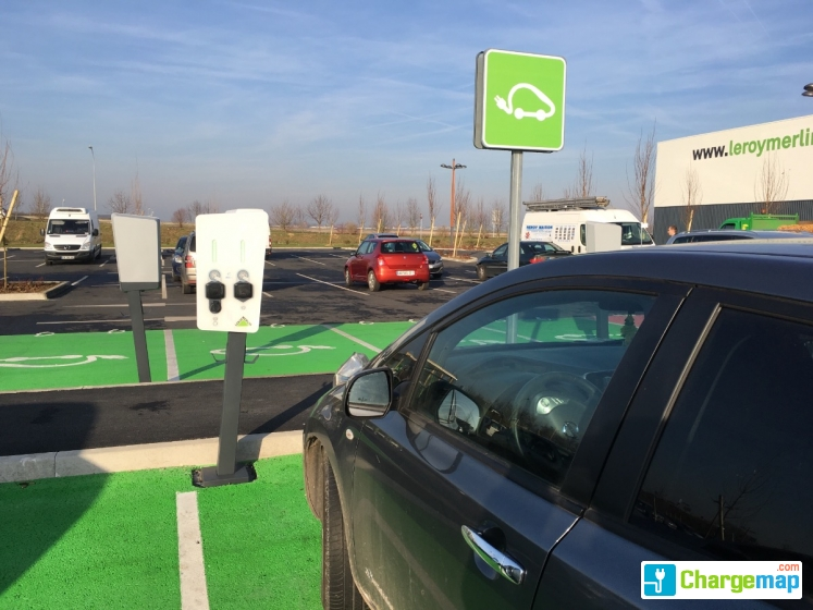 leroy merlin beauvais charging station in beauvais